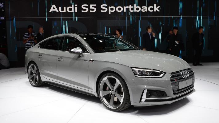 01-2017-audi-s5-sportback-paris-1
