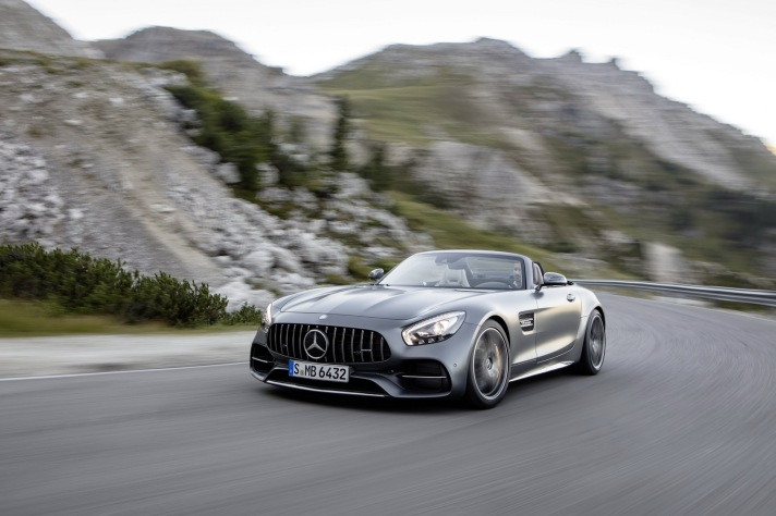 2017-mercedesamggt-roadster-16