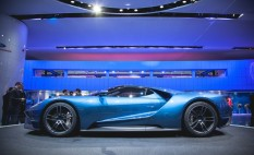 2017-ford-gt-303-876x535