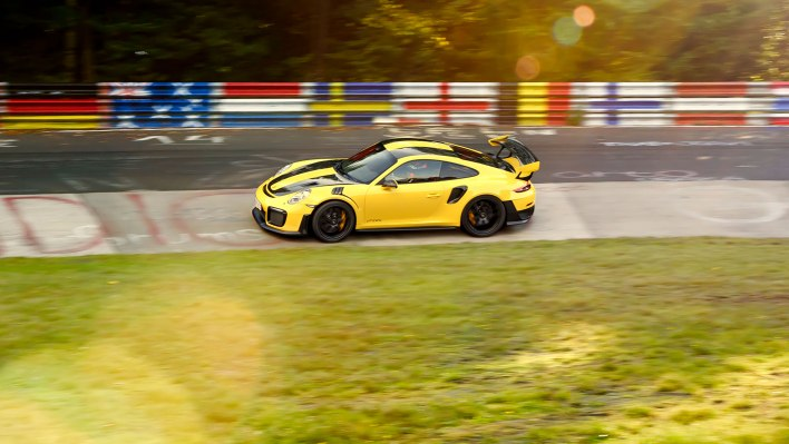 high_911_gt2_rs_world_record_nürburgring_2017_porsche_ag