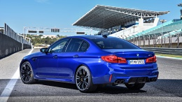 P90286902_highRes_the-new-bmw-m5-11-20