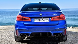 P90286913_highRes_the-new-bmw-m5-11-20