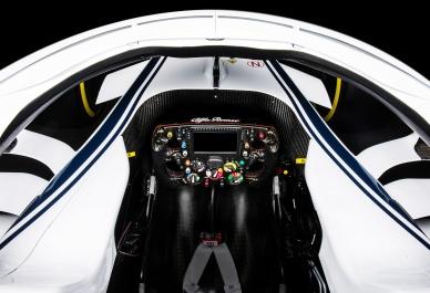 Alfa-RomeoClose_Up_Cockpit_Top