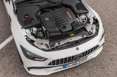 Mercedes-AMG GT 53 4MATIC+ 4-Türer Coupé, AMG Night-Paket, Exterieur: Motorraum, Außenfarbe: designo diamantweiß bright;Kraftstoffverbrauch kombiniert: 9,1 l/100 km; CO2-Emissionen kombiniert: 209 g/km (vorläufige Daten) Mercedes-AMG GT 53 4MATIC+ 4-Door Coupé, AMG Night-packet, Exterior: engine compartement, Exterior paint: designo diamond white bright;Fuel consumption combined: 9.1 l/100 km; CO2 emissions combined: 209g/km (provisional data)