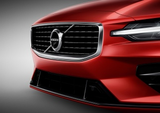 New Volvo S60 R-Design exterior