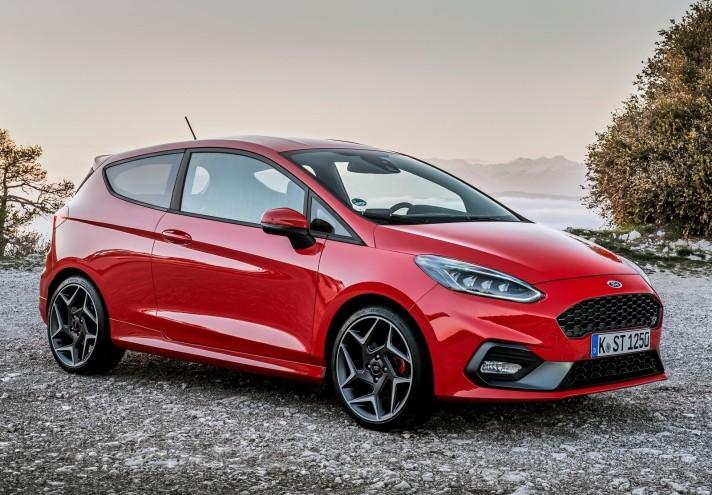 Ford-Fiesta_ST-2018-1600-03