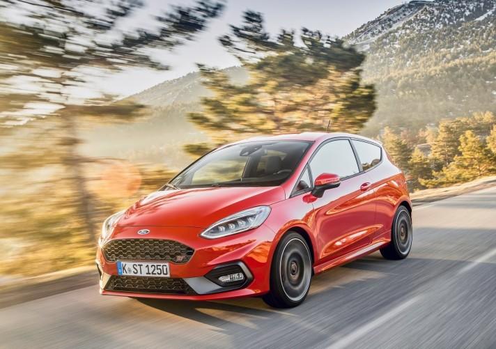 Ford-Fiesta_ST-2018-1600-16