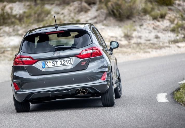 Ford-Fiesta_ST-2018-1600-31