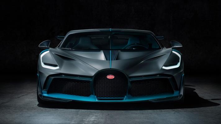 03_Bugatti-Divo_Front