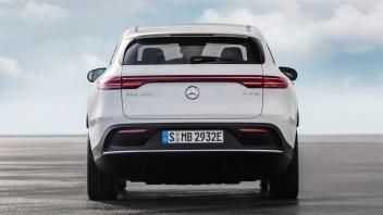Mercedes-Benz EQC 400 4MATIC, (BR N293) / designo Diamantweiß bright / Exterior: AMG Line / Interior: AMG Line / Der neue Mercedes-Benz EQC - der erste Mercedes-Benz der Produkt- und Technologiemarke EQ. Mit seinem nahtlosen klaren Design ist der EQC ein Vorreiter einer avantgardistischen Elektro-Ästhetik mit wegweisenden Designdetails und markentypischen Farbakzenten außen wie innen.;Stromverbrauch kombiniert: 22,2 kWh/100 km; CO2 Emissionen kombiniert: 0 g/km*, Angaben vorläufig Mercedes-Benz EQC 400 4MATIC, (BR N293) / designo diamond white bright / Exterior: AMG Line / Interior: AMG Line / The new Mercedes-Benz EQC - the first Mercedes-Benz under the product and technology brand EQ. With its seamless, clear design, the EQC is a pioneer for an avant-garde electric look with trailblazing design details and colour highlights typical of the brand both inside and out.;combined power consumption: 22.2 kWh/100 km; combined CO2 emissions: 0 g/km*, provisional figures