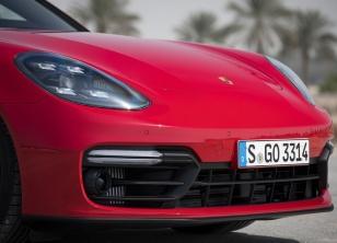 Porsche-Panamera_GTS-2019-1600-cc