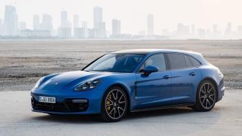 Porsche-Panamera_GTS_Sport_Turismo-2019-1600-06
