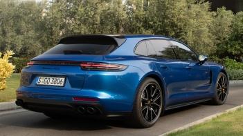Porsche-Panamera_GTS_Sport_Turismo-2019-1600-45