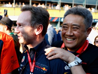 MELBOURNE, AUSTRALIA - MARCH 17: Honda Motorsports General Manager Masashi Yamamoto andRed Bull Racing Team Principal Christian Horner celebrate after the F1 Grand Prix of Australia at Melbourne Grand Prix Circuit on March 17, 2019 in Melbourne, Australia. (Photo by Will Taylor-Medhurst/Getty Images) // Getty Images / Red Bull Content Pool // AP-1YRDNK6152111 // Usage for editorial use only // Please go to www.redbullcontentpool.com for further information. //