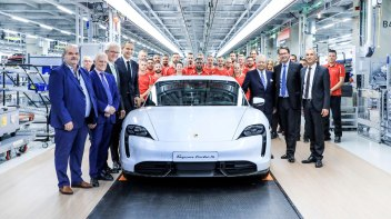 high_factory_opening_for_the_taycan_in_stuttgart_zuffenhausen_2019_porsche_ag