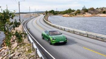 Porsche-Taycan-2020-1600-17