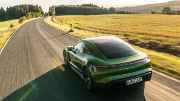 Porsche-Taycan-2020-1600-3b