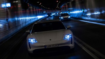 Porsche-Taycan-2020-1600-43