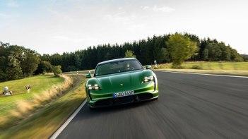 Porsche-Taycan-2020-1600-47