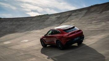 Aston-Martin-DBX_27