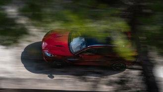 Aston-Martin-DBX_30