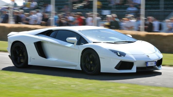 Lamborghini-Aventador_LP700-4-2012-1600-11