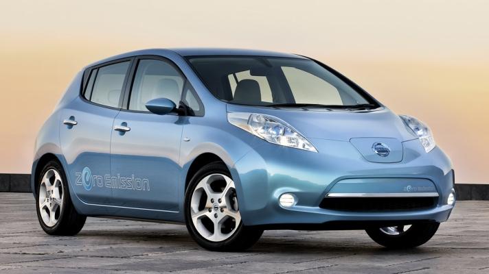 Nissan-LEAF-2011-1280-01
