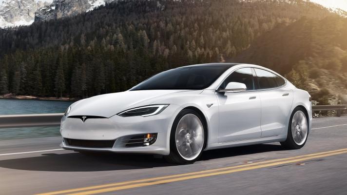 Tesla-Model_S-2017-1600-01