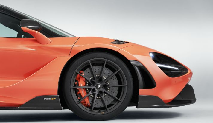 11841-McLaren-765LT