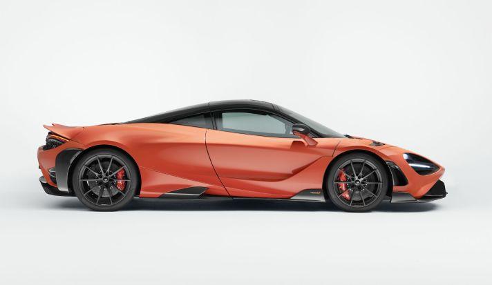 11842-McLaren-765LT