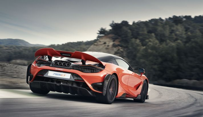 11858-McLaren-765LT