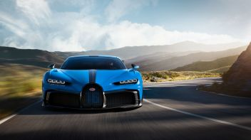 12_chiron-pur-sport_drive-front