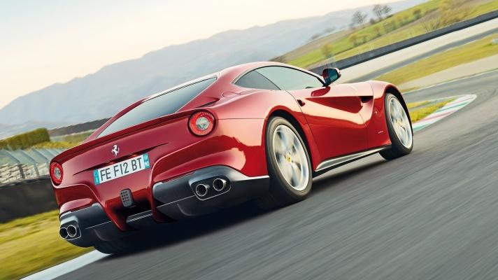 Ferrari-F12berlinetta-2013-1600-7f