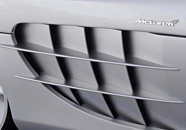 Mercedes-Benz-SLR_McLaren-2004-1600-b8