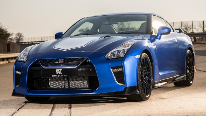 Nissan-GT-R-50th-Anniversary-Limited-Edition---image-06